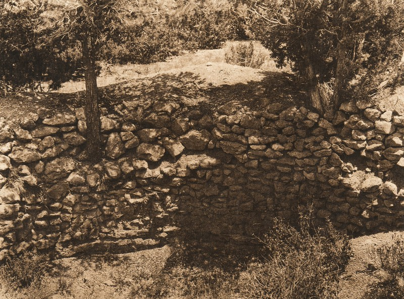 Partially excavated kivi, old Cochiti (The North American Indian, v. XVI. Norwood, MA, The Plimpton Press,  1926)