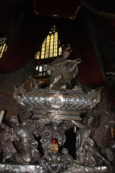 Inside Prague Castle Cathedral 9.JPG