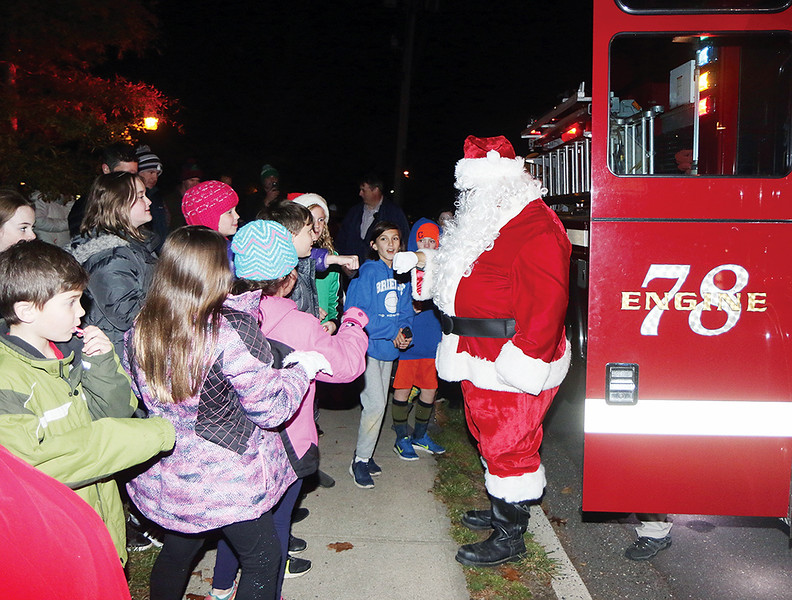 BRL Tree Lighting_rw_1567.jpg