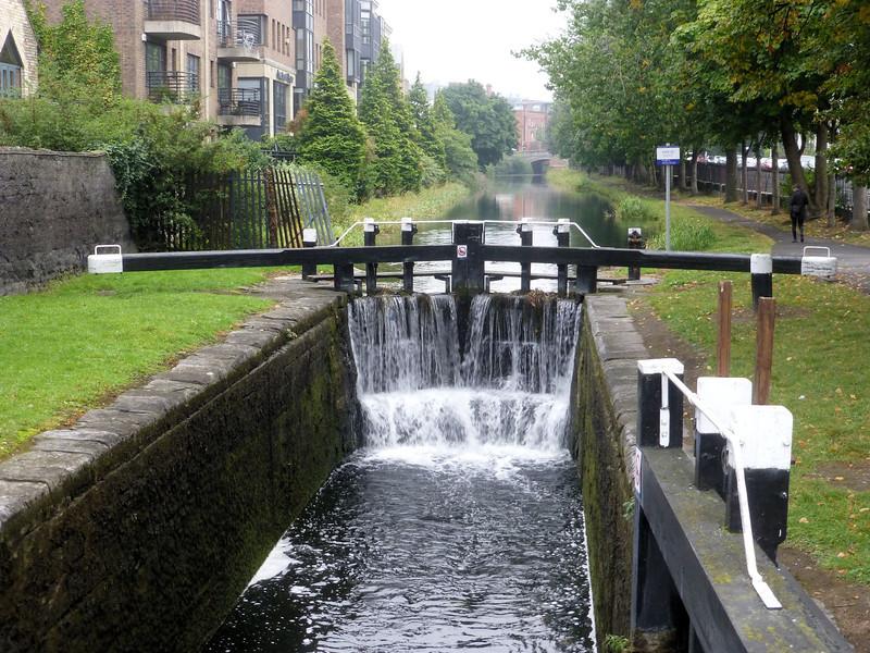 Dublin_Canal locks.jpg
