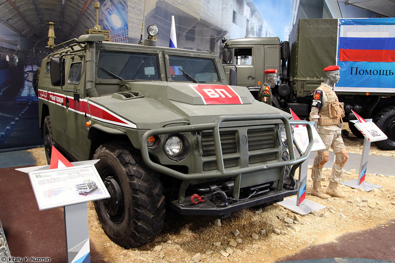 АМН 233114 Тигр-М с малогабаритным передатчиком помех РП-377УВМ1Л (AMN 233114 Tigr-M armored vehicle with RP-377UVM1L jammer)