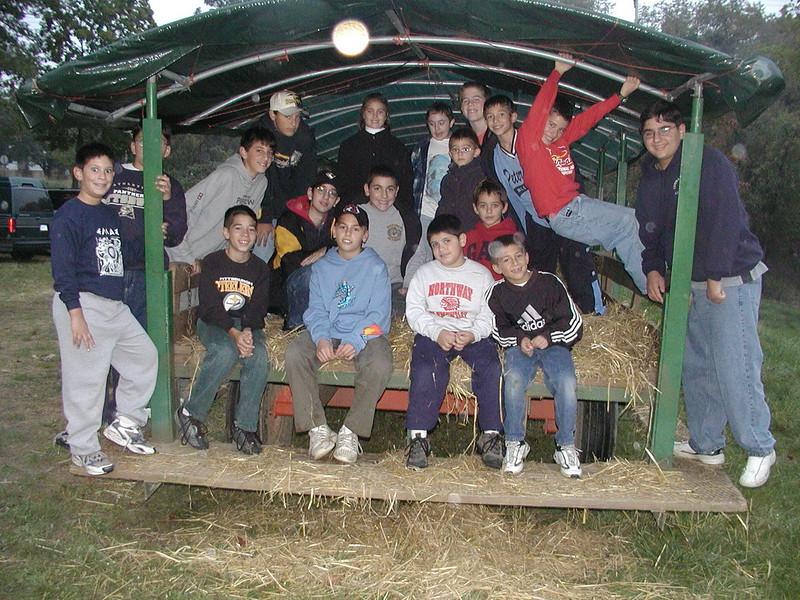 2002-10-12 HT-Youth-Family-Hayride_003.jpg