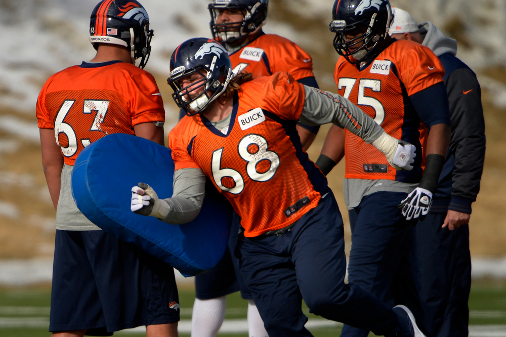 . Guard Zane Beadles #68 of the Denver Broncos running drills during practice at Dove Valley in Centennial January 10, 2014 Centennial, Colorado. (Photo by Joe Amon/The Denver Post)