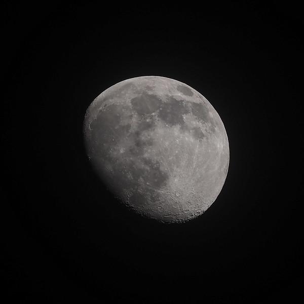 Gibbous moon 86% 23rd April 2021