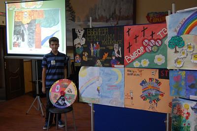 2012-09-12, Ilia wins a prize for antidrugs art contest