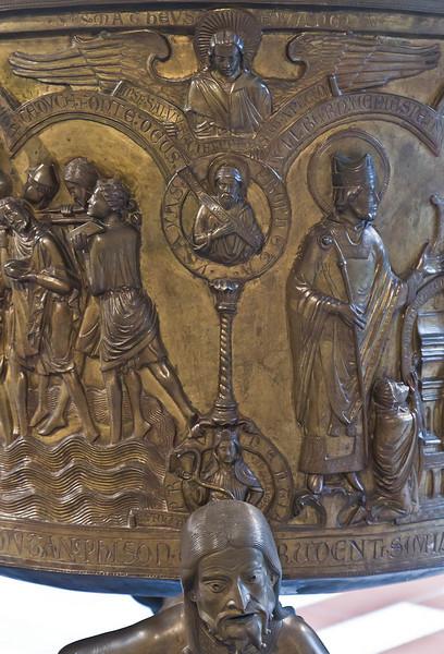 Taufbecken aus Hildesheimer Dom: Phison, Klugheit, Prophet Isaias, Evgl. Matthäus