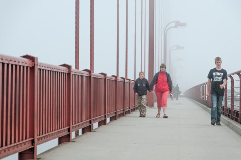Mitten auf der Brücke war man voll im Nebel.