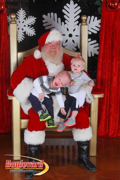 Santa 12-17-16-560.jpg