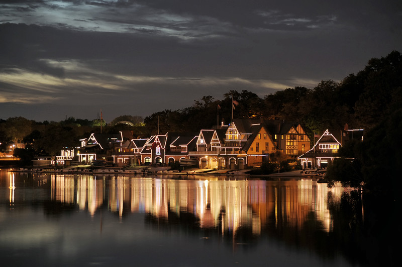 art_g_philadelphia_boathouse_night_2_20141019_1490237266.jpg