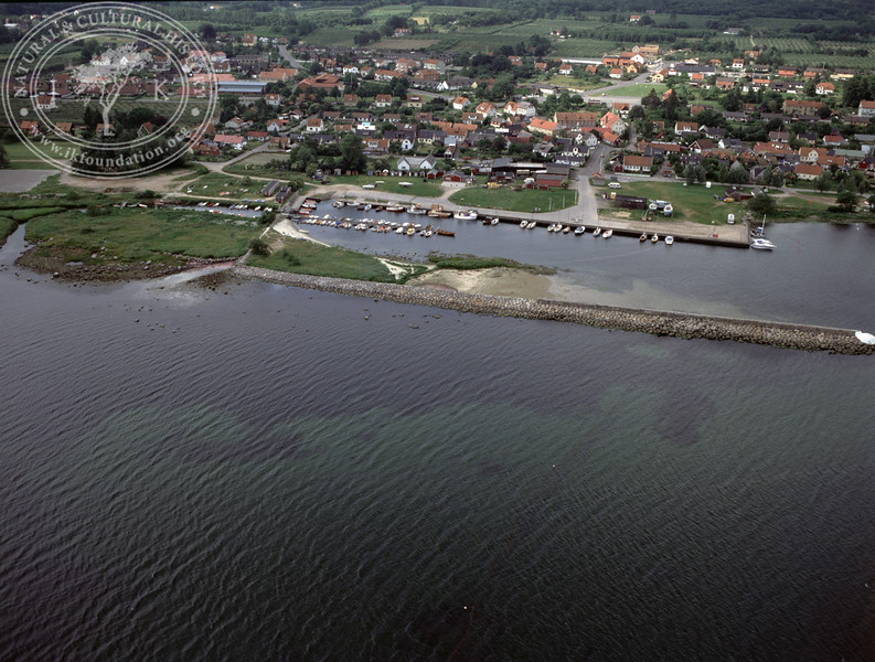 Kivik and Kivik harbour (1991) | PH.0144