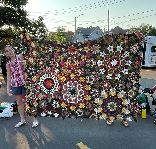 Kelly Sattler has been working on this masterpiece for over 5 years.  The top is completed and now the quilting.