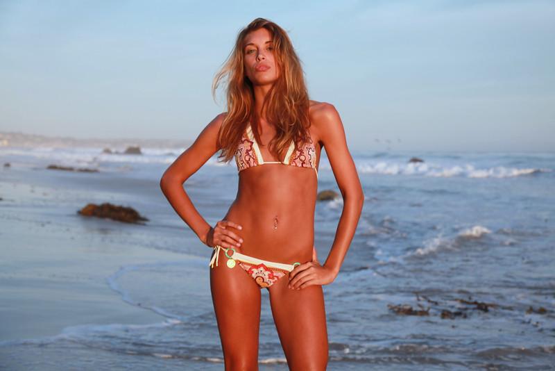 bikini 45surf bikini swimsuit model hot pretty beach surf socal 840,.kl,..jpg