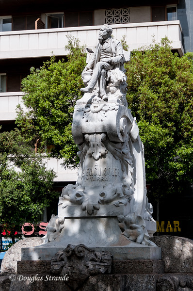 Barcelona: Monument to poet & playwright Frederich Soler