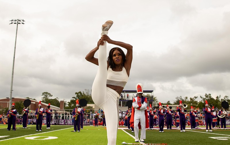 Edward Waters University christened the Nathaniel Glover Community Field & Stadium with an unforgettable halftime performance on Saturday, Aug. 28, 2021.