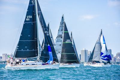 2019 Race to Mackinac, Presented by Wintrust: Racing Division Start