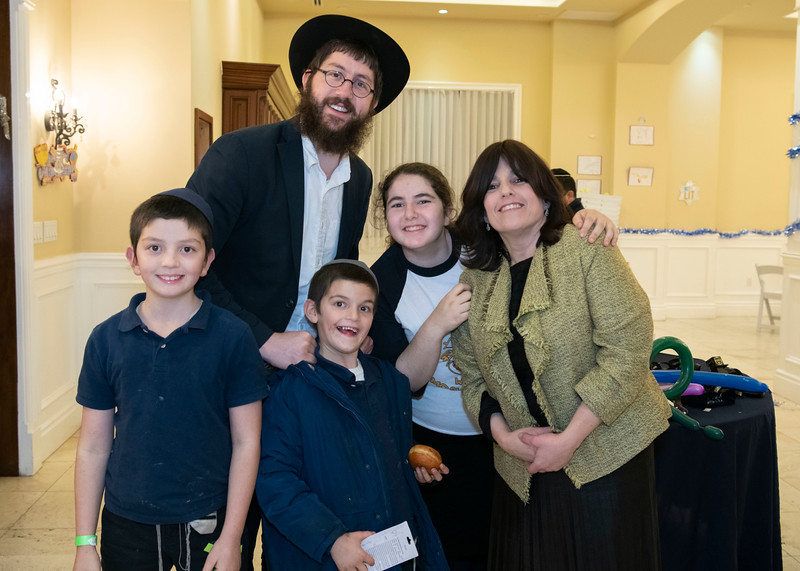 Brentwood Chabad -Chanukah1086.jpg