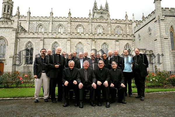 07W30N142 (W) Bishops visit.jpg