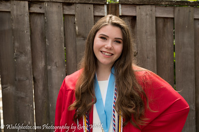 Bailey Becker_Graduation CHS_2020