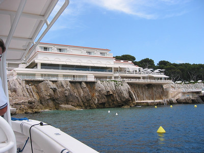 Hôtel du Cap from the water