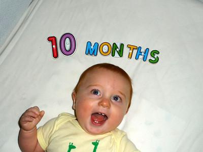 2012-09-06 Leonidas at 10 months
