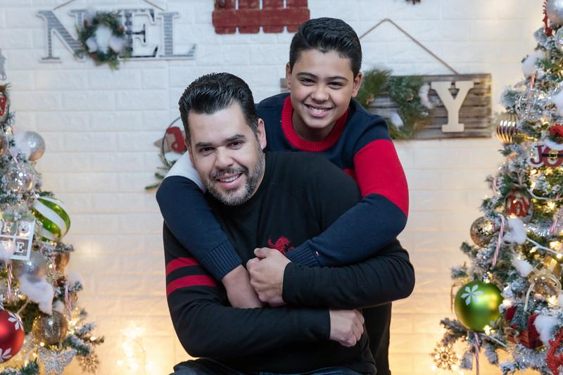 12.18.19 - Vick's Christmas Photo Session 2019 - -13.jpg