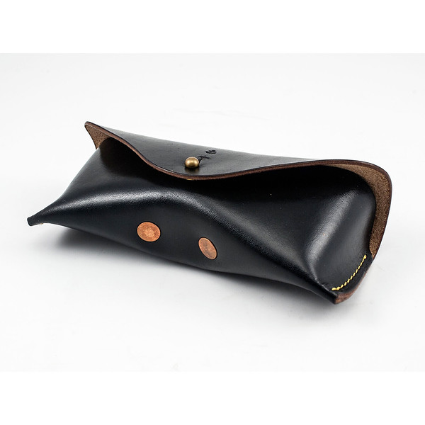W&A-Case 01 - The W & Anchor Leather Glasses Case No. 102.jpg