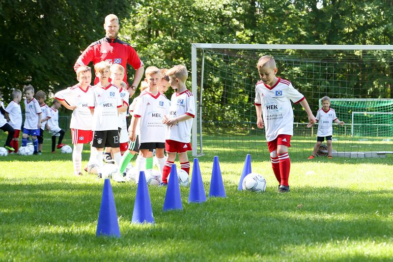 hsv_fussballschule-094_48048029797_o.jpg