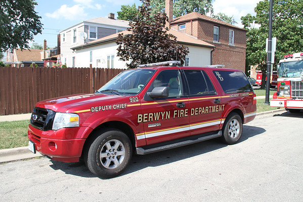CICERO FIRE DEPARTMENT WATER FIGHTS (06-20-2012)