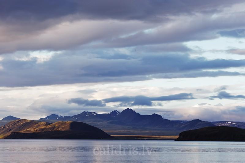 A view over lake Þingvellir, Iceland