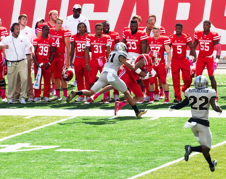 Allen receives for 2 yards ...