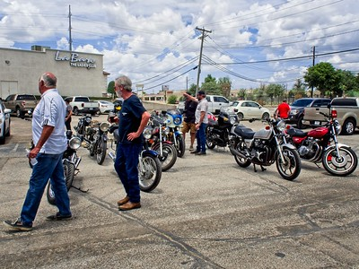 Bike Show at Dylans BBQ 06-27-2021