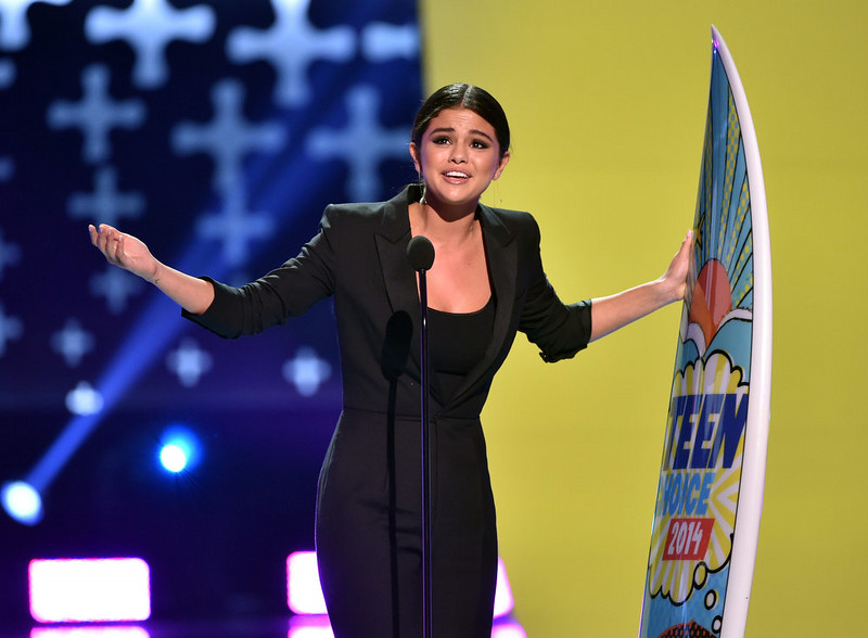 . Recording artist Selena Gomez onstage during FOX\'s 2014 Teen Choice Awards at The Shrine Auditorium on August 10, 2014 in Los Angeles, California.  (Photo by Kevin Winter/Getty Images)