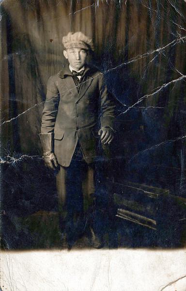 1914_loose photos_0001_a.jpeg