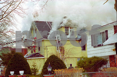 House fire with children rescued