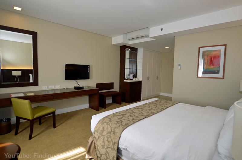 Harolds Hotel Cebu Deluxe.jpg