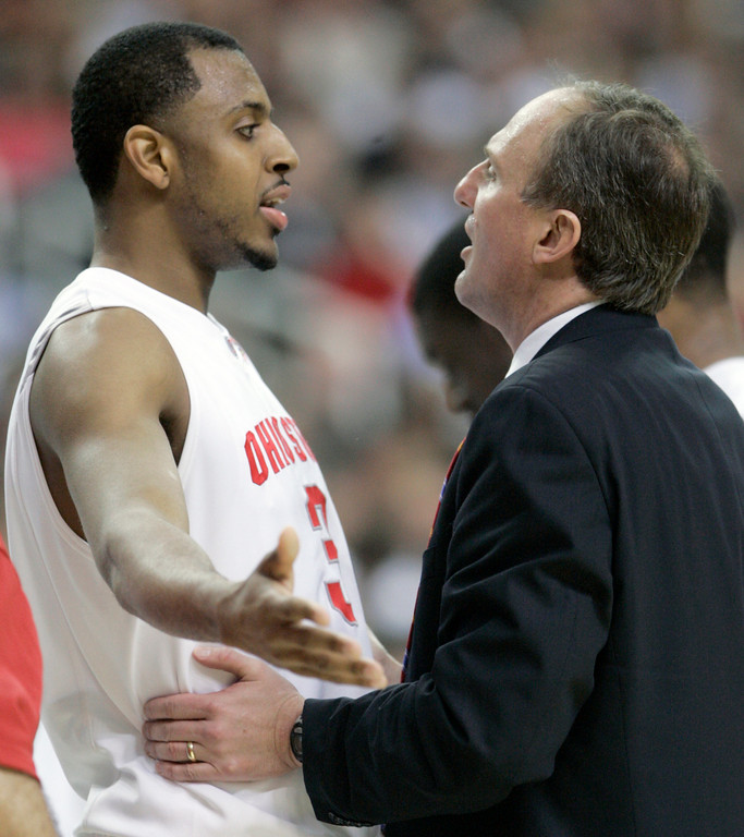 . Ohio State forward Ivan Harris (3) talks to Ohio State coach Thad Matta during their men\'s semifinal basketball game against Georgetown at the Final Four in the Georgia Dome in Atlanta Saturday, March 31, 2007. (AP Photo/Mark Humphrey)