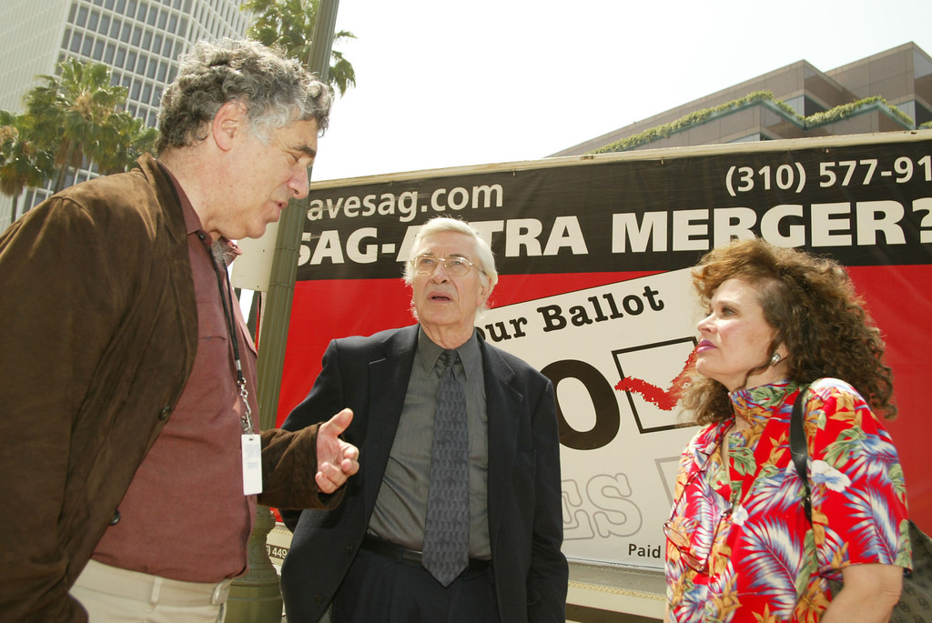 . LOS ANGELES, CA - JUNE 16: Actors (L-R) Elliott Gould Martin Landau and Actress Karen Black who is opposed to the merging of actors unions SAG and AFTRA outside the Screen Actors Guild in Los Angeles where memebers were meeting to announce their support for the merger on June 12, 2003 Los Angeles , California.(Photo by Frazer Harrison/Getty Images)