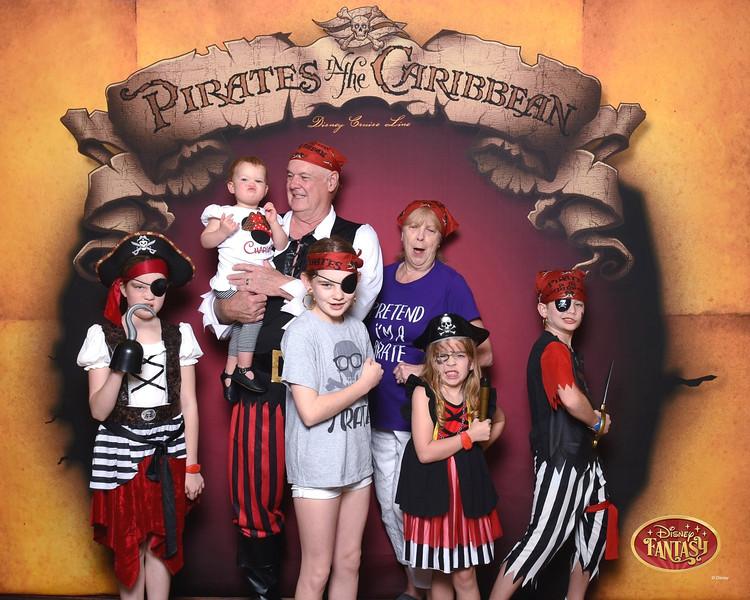403-124159864-C Pirate In The Caribbean 3 MS-49619_GPR.jpg