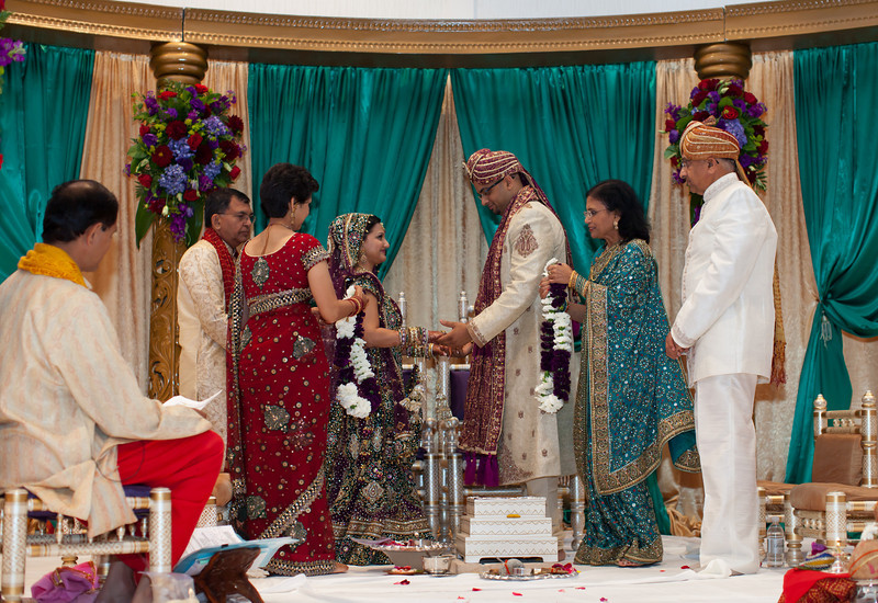 Shikha_Gaurav_Wedding-987.jpg