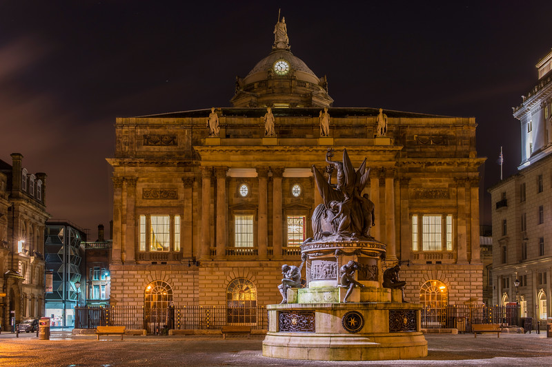 Nelson Monument and rear of Liverpool Town Hall at night