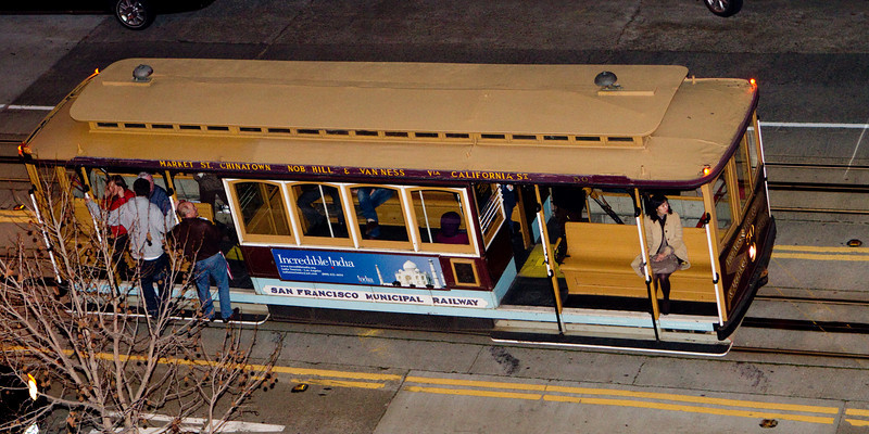 The University Club is at the intersection of two cable car lines, Powell and California, on top of Nob Hill.