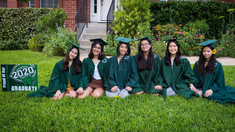 20200521_sarah-friends-connally-graduation_101.jpg