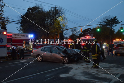 20131031 - Hicksville - Motor Vehicle Accident