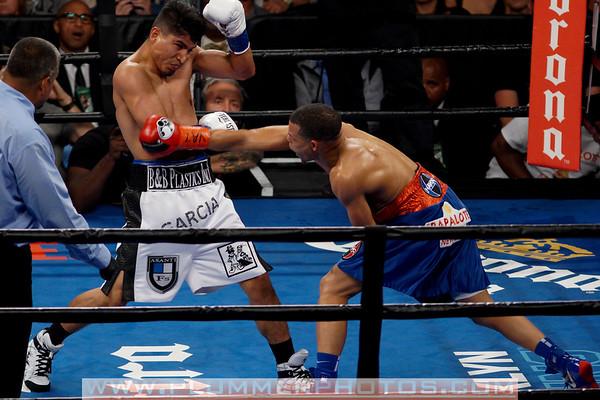Mikey Garcia Defeats Elio Rojas by 5th Round TKO