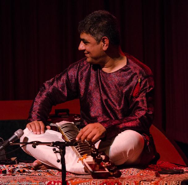 Mohamed concert 7 Aug 2015 Joe Carlson-13.jpg