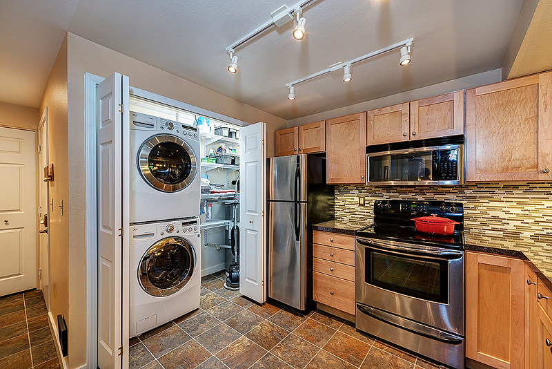 kitchen with laundry.jpg