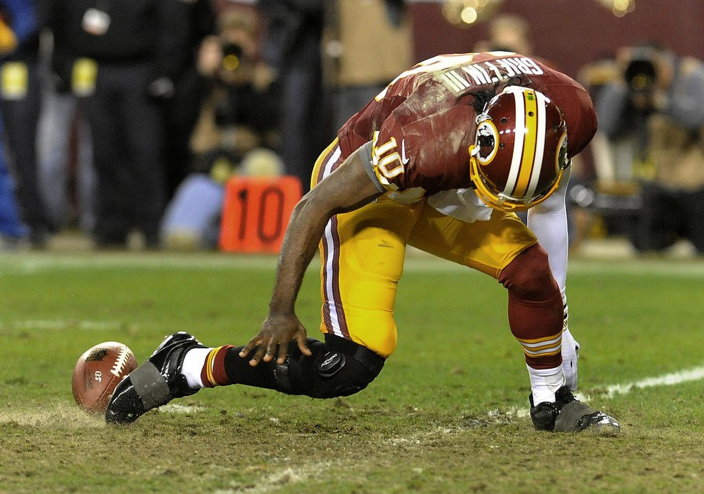 . <p><b> Eagles at Redskins (-3½):</b>  <p>Robert Griffin III�s knee may be questionable, but Chip Kelly�s defense is very, very doubtful. <p>Pick: <b>Redskins by 7</b> <p>    (AP Photo/Richard Lipski, File)