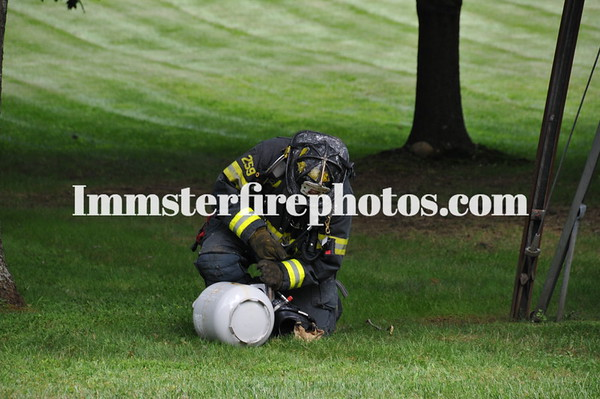 "SYOSSET FD PROPANE TANK ""BURN OFF"" IN MUTTONTOWN 8-23-12"