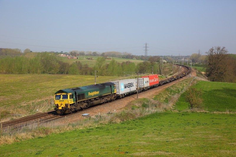 66537 on the 4M63 Felixstowe to Ditton at Brantham on the 20th April 2018.JPG