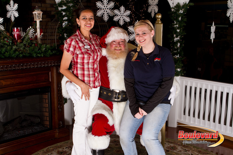 Santa Dec 15-277.jpg